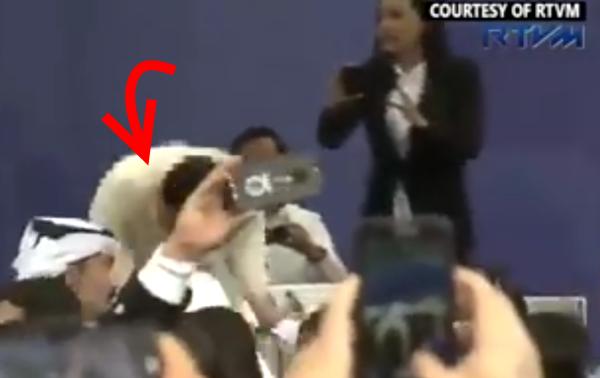 Duterte trips on stage Qatar