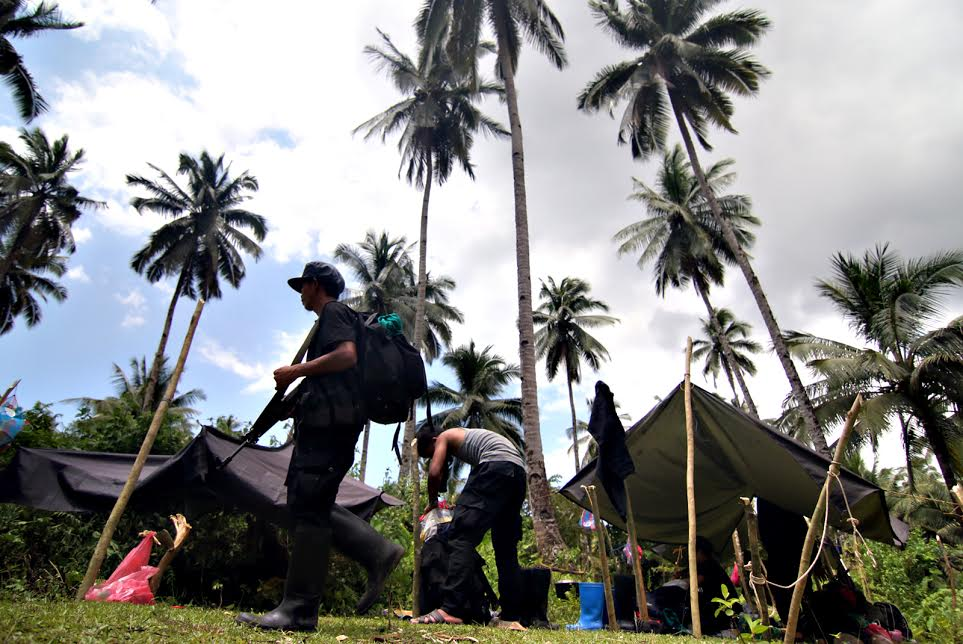 Setting up NPA camp for POW release