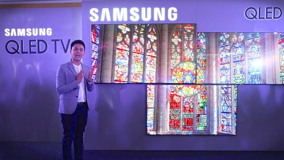 Samsung launches high-quality QLED TV with Korean star Kim