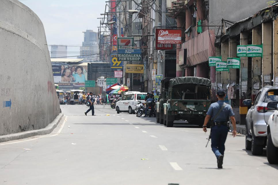 Quiapo lockdown troop carriers