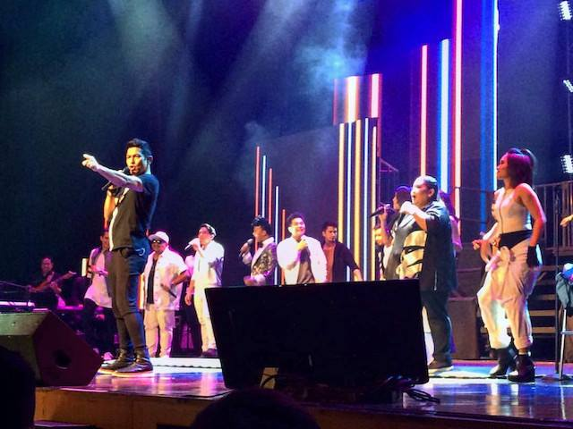 REVIEW | Gary V  highlights greatest hits, guest performers in