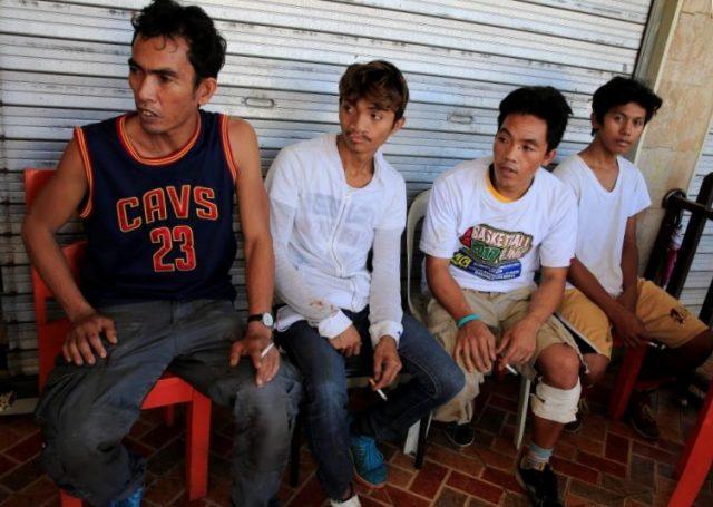 Civilians desperate escape Marawi City