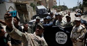 Iraqi Army units fighting Islamic State miitants in Mosul