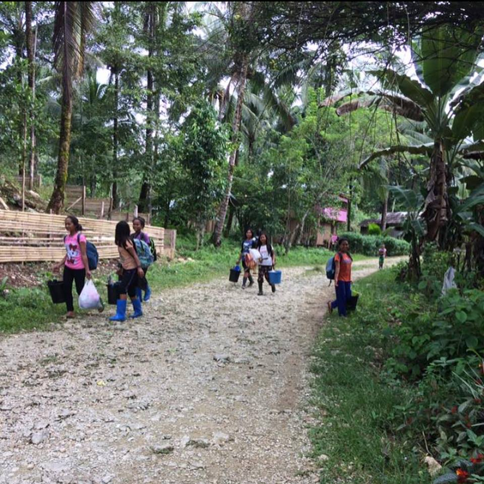 2,000 lumad, including students and teachers of tribal