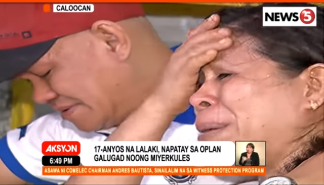 Grieving_parents_of_Kian_Lloyd_delos_Santos_News5grab_08182017