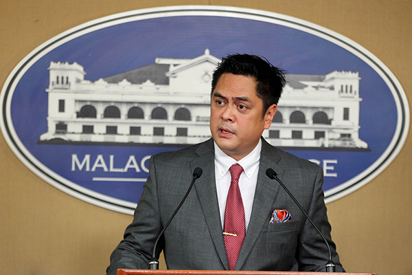 Palace vows no favoritism to bloggers