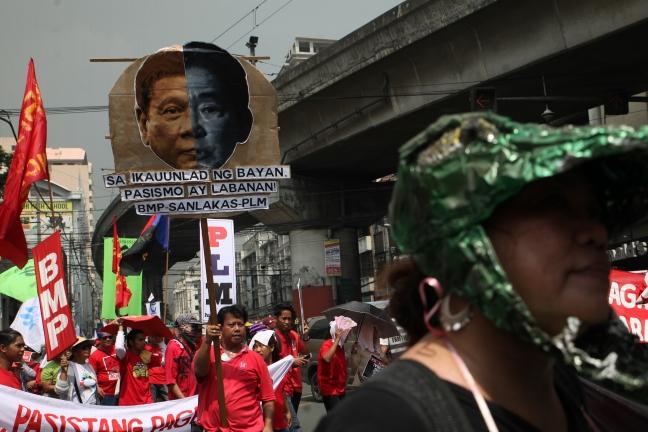 Mendiola placards, masks