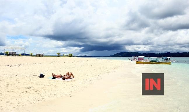 Placid Siargao beach