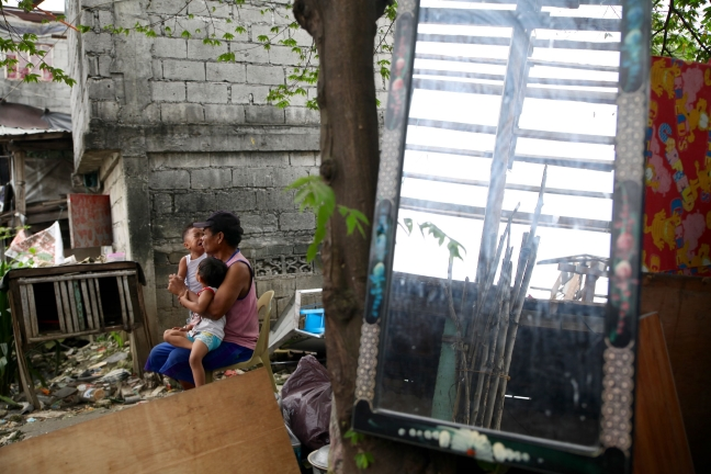 Pasig_Eastbank_Floodway_demolition_comforting