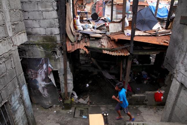 Pasig_Eastbank_Floodway_demolition_running