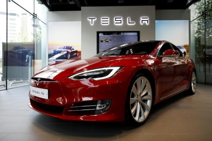 Tesla Model 3 production falls short of expectations after hitting production snags