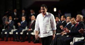 ASEAN2017_Duterte_walking_to_stage_MPB