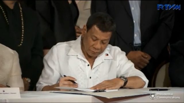 Duterte signing GAA 2018
