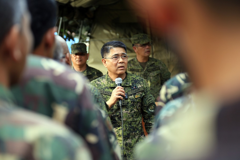 AFP chief Guerrero during a visit to troops in Marawi City on November 22
