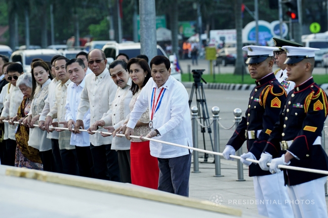 Rizal_Day_rites_flag_raising_KING_RODRIGUEZ_MPB