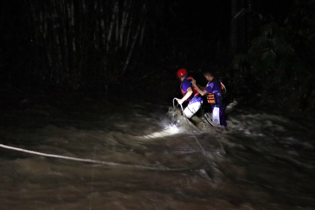 Butuan_Ugabang_Creek_rescue_roping_ERWIN_MASCARINAS