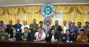 Cotabato_Senators_with_MILF_ARMM_ Bureau_of_Public_Information