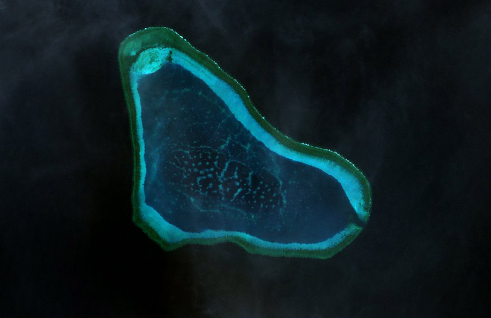 Beijing says United States  warship violated sovereignty in South China Sea