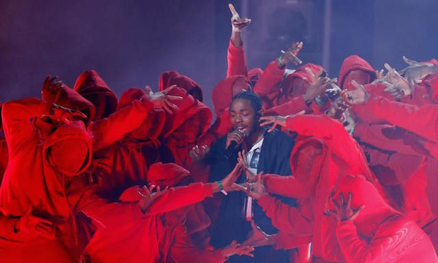 Rihanna does the 'Gwara Gwara' during Grammy performance