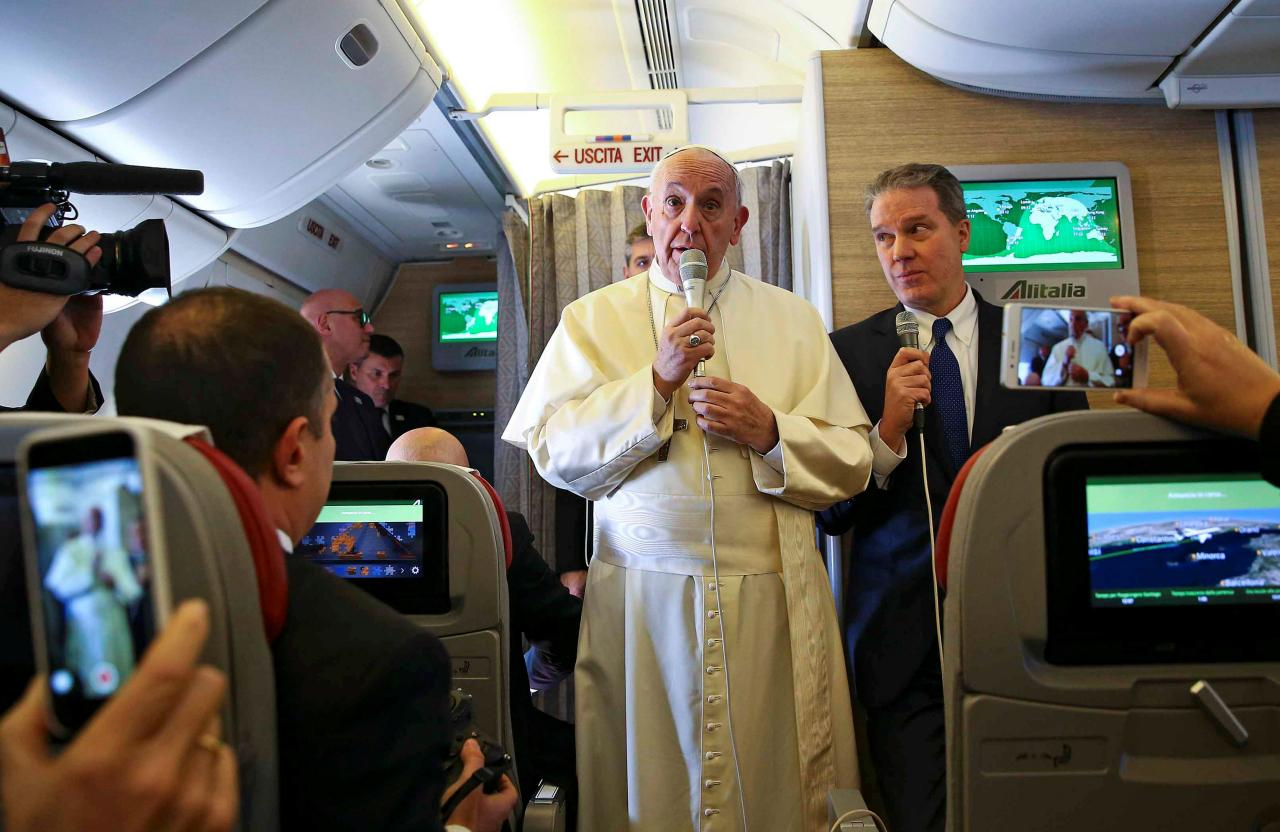 Pope says it's a sin if fear breeds hostility to migrants