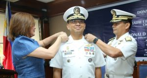 Chief_of_PH_Naval_Staff_Erick_Kagaoan_handout