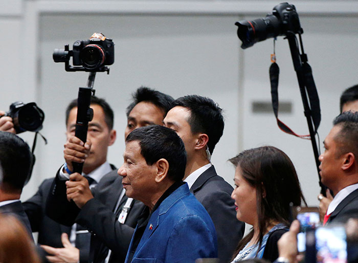 Duterte warns ICC prosecutor of arrest in PH