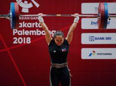 Hidilyn Diaz lifting in Asiad