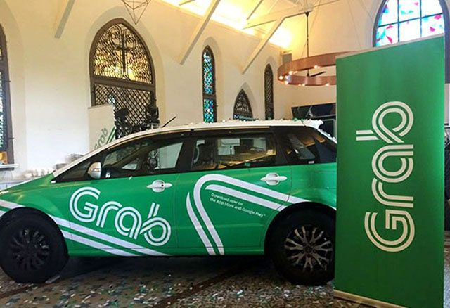 Grab vehicle