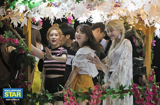 Momoland in Feria de Candon