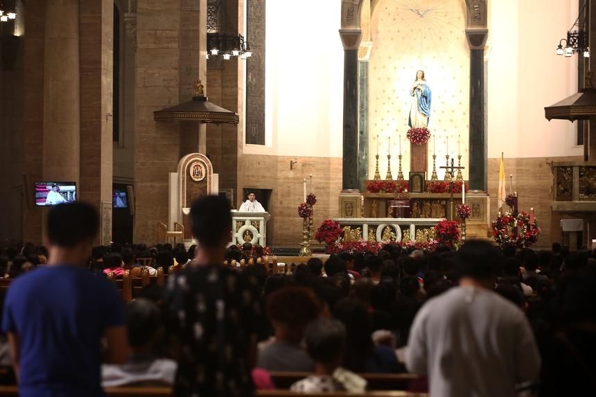 philippine-christmas-simbang-gabi-manila-cathedral