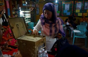 Woman casts her vote during the plebiscite on BOL at a voting precinct in Sultan Kudarat