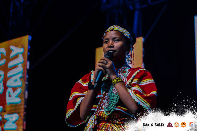 Lumad girl Interaksyon