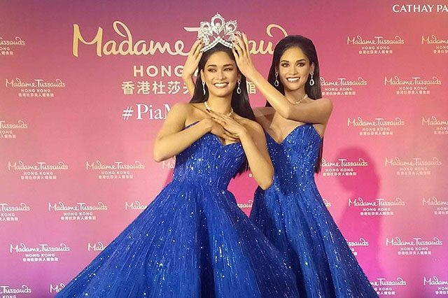 Pia Wurtzbach with wax figure