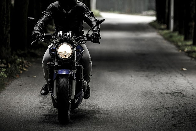 Some Metro Manila motorcycle riders keep on violating rules on taillights