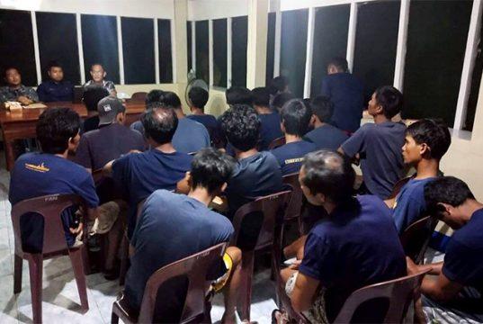 Filipino fishermen in ramming incident