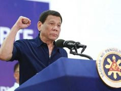 Duterte raising his fist