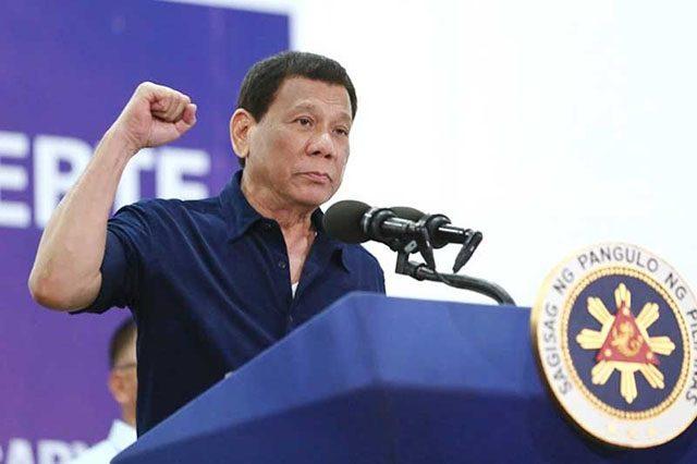 Duterte raising his fist
