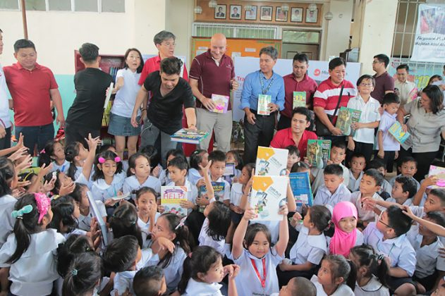 MoneyGram Foundation's Inspiring Minds with the Gift of Literacy