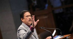 Tito Sotto gesturing in the Senate