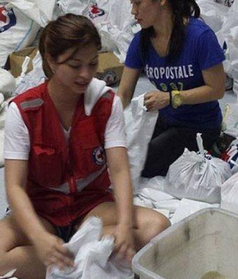 Angel Locsin volunteers for Yolanda victims