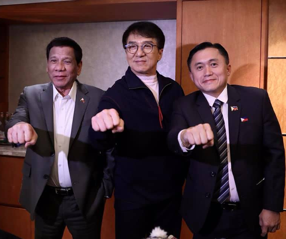 Duterte got Jackie Chan to make this political gesture
