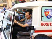 Isko Moreno in an ambulance