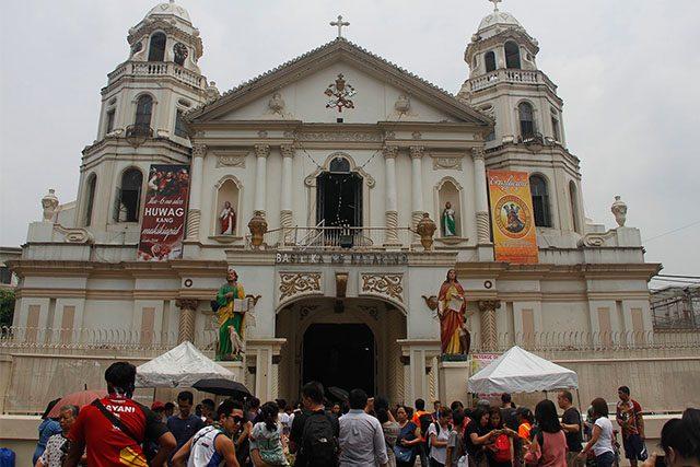 Churchgoers in Manila