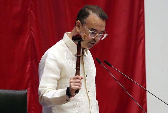Alan Cayetano in plenary