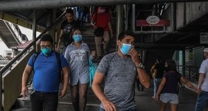 Commuters in Metro Manila quarantine