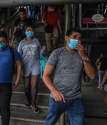 Commuters in Metro Manila quarantine