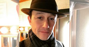 Joseph Gordon Levitt with hat