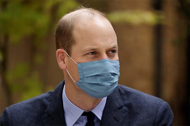 El príncipe William del Reino Unido dice que las grandes mentes deberían centrarse en salvar la Tierra, no en los viajes espaciales