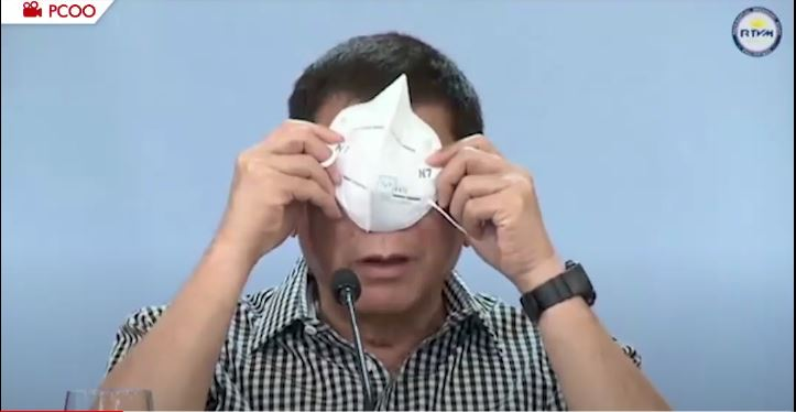 Duterte with face mask
