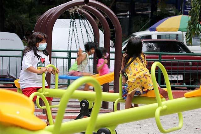 Muchos están confundidos acerca de la política sobre menores al aire libre